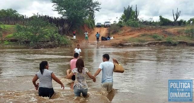 Enchentes de 2016 deixaram cidade isolada (Foto: Divulgação/Prefeitura de Dom Inocêncio)