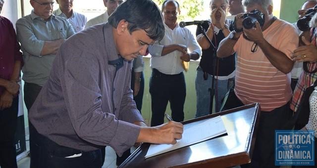 Em maio de 2016, W. Dias assinou ordem de serviço e prometeu conclusão em sete meses