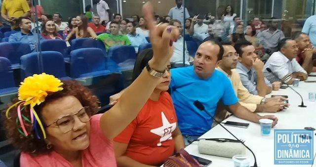 Militante reage contra Ciro Nogueira (Foto: Gustavo Almeida/PoliticaDinamica.com)