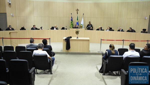 Denúncia contra Rejane Dias foi protocolada no Tribunal de Contas do Estado (Foto:JailsonSoares/PoliticaDinamica.com)