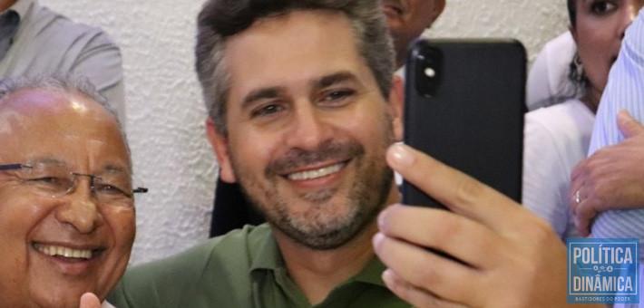 Pablo Santos preside a FEPISERH no Estado e indicou a presidência da Fundação Municipal de Saúde de Teresina; investigação contra ele abriu margem para polêmica (foto: Facebook)