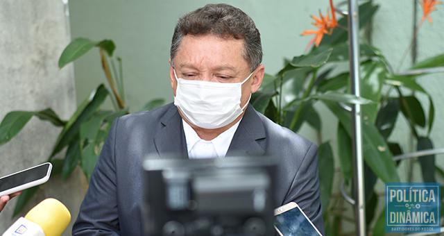 Gilberto contrariado: fontes apontam que presidente da FMS manda menos que primeira-dama na Saúde de Teresina (foto: Jailson Soares   PoliticaDInamica.com)