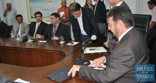 Em 5 de outubro de 2011, foi amplamente divulgada uma reunião convocada por Wilson Martins para tratar das investigações do Caso Fernanda Lages; todas as esferas de gestão da Segurança Pública estavam na reunião (foto: Efrem Ribeiro)