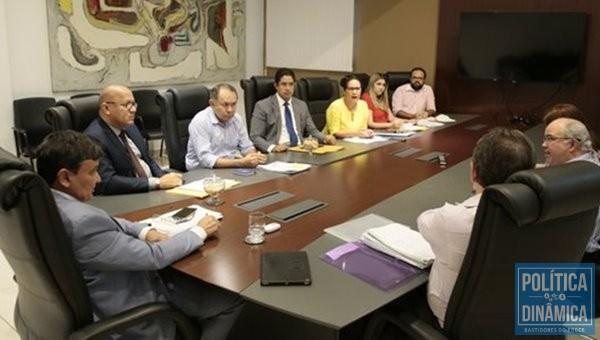 Governador Wellington Dias reuniu equipe e quer trabalhado continuando (Foto:CCOM)