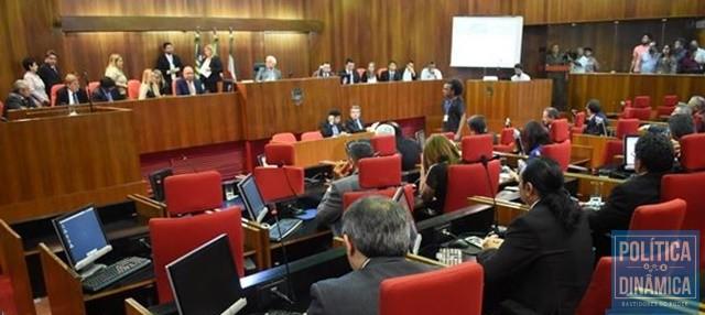 on sale 5ce76 9afeb Só um deputado não quis concorrer em 2018 (Foto  Jailson  Soares PoliticaDinamica.