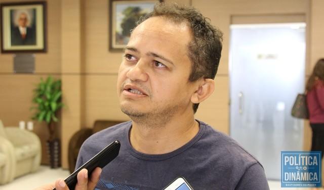 bdf8fd7b9ef2e0 PV VAI À CAÇA DOS INFIÉIS - Gustavo Almeida - Política Dinâmica