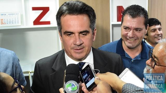 Senador esteve nesta sexta (2) na Câmara de Teresina, conversou com vereadores e rechaçou críticas (Foto: Jailson Soares/PoliticaDinamica.com)