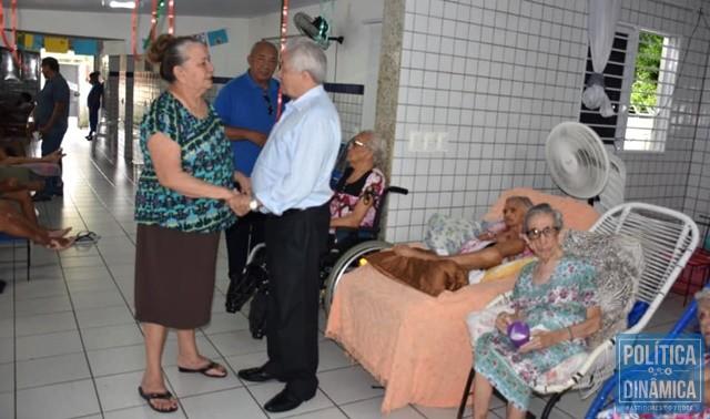 1a0a7ed20282 SENADOR ELMANO VISITA ABRIGOS DE IDOSOS - Gustavo Almeida - Política ...