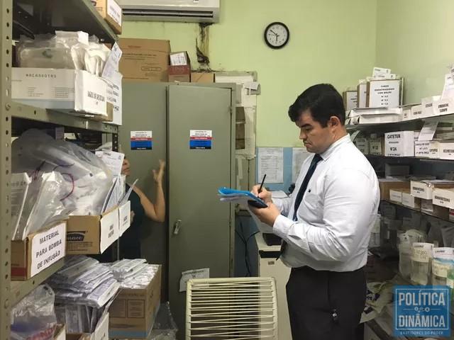 Falta todo tipo de material -- desde o básico material de limpeza até remédios -- no hospital de Campo Maior (foto: Ascom CRM)