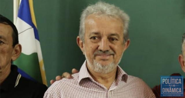 14 anos depois: Joãozinho teve suas contas de 2006 reprovadas na Câmara Municipal, numa votação que o desembargador José James entendeu que era urgente (foto: Facebook)