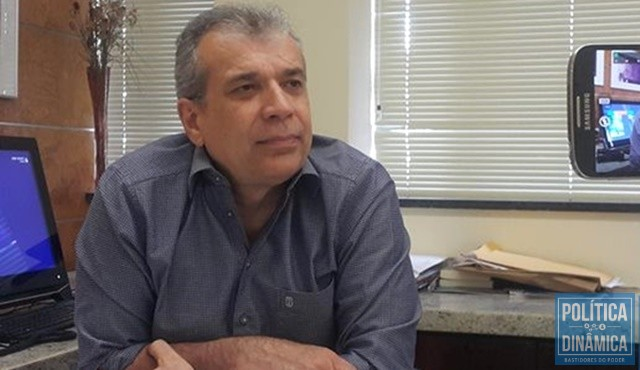 9c0f09b8abbec Ex-senador vai conversar com vereadores (Foto  Marcos  Melo PoliticaDinamica.com
