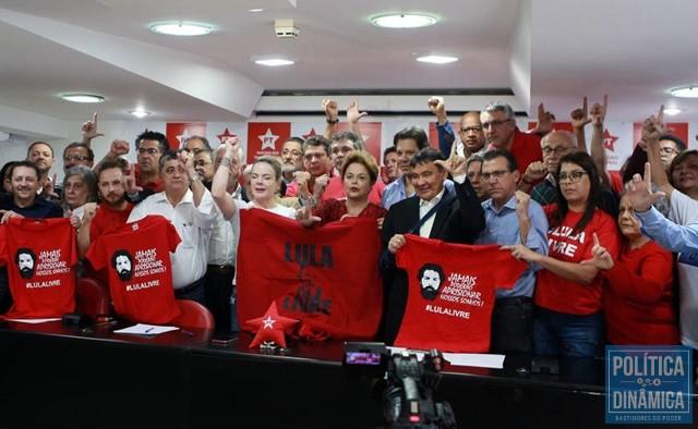 Petistas voltam a reafirmar nome de Lula para eleição (Foto: Werther Santana/Estadão)