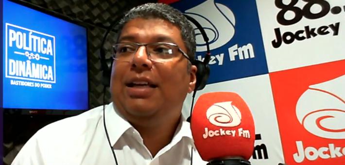 Diariamente, na Jockey FM 88.1, das 7h às 9h, você encontra notícia de verdade no rádio (imagem: reprodução)