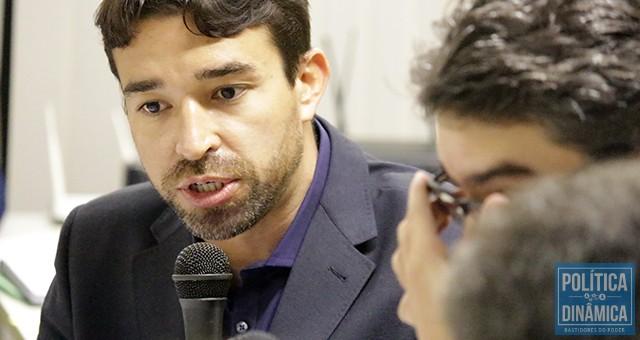 O deputado Marden se manifestou na Comissão de Finanças sobre o absurdo que seria aprovado em plenário mais tarde; a utilização de empréstimos de investimentos para pagar salários é ilegal (foto: Marcos Melo | PoliticaDinamica.com)