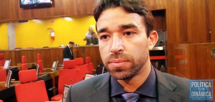 Marden Menezes lamentou o resultado e afirma que apenas a sociedade civil organizada pode reverter a situação com manifestações e protestos (foto: marcos Melo | PoliticaDinamica.com)