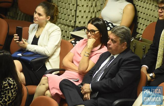 Deputados Margarete e Júlio Arcoverde na sessão (Foto: Jailson Soares/PoliticaDinamica)