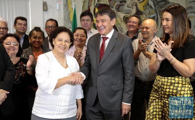 5e24a6536c Wellington passou cargo para Regina (Foto: Jorge Bastos/Governo do Piauí)