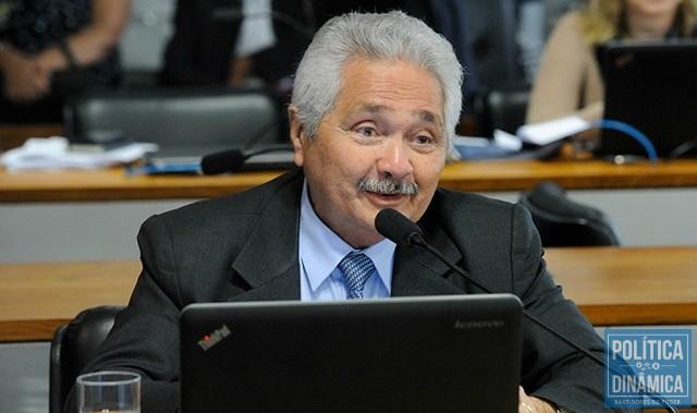 ecc011a53 Senador mostra preocupação com barragens (Foto: Geraldo Magela/Agência  Senado)