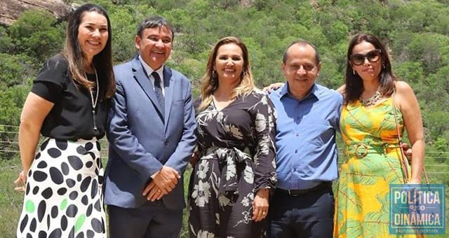 Margarete foi vice do governador Wellington, é irmã de Carmelita (prefeita de SRN), cunhada do deputado Hélio Isaías e indicou Sádia, outra irmã, para ser secretária de Meio Ambiente do Piauí; na foto ainda falta mais uma irmã, Nailer (Foto: Facebook)