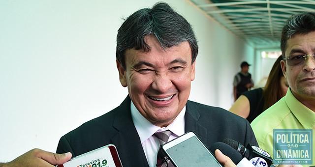 O rosto de quem está muito preocupado com a crise financeira do Estado e com as pedaladas fiscais que praticou nos últimos anos #SQN (foto: Jailson Soares | politicaDInamica.com)