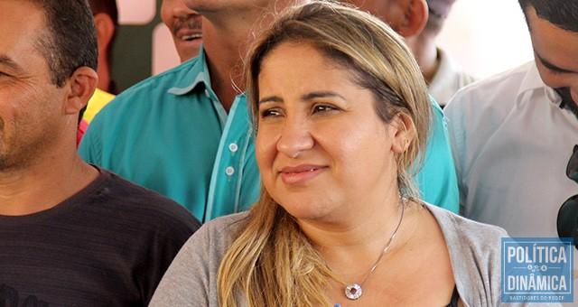 Rejane Dias quer que a prima seja suplente de Marcelo Castro; Pauliana é empresária do ramo de hotelaria e trabalhou na SEDUC durante a gestão da primeira-dama (foto: Marcos Melo | PoliticaDinâmica.com)