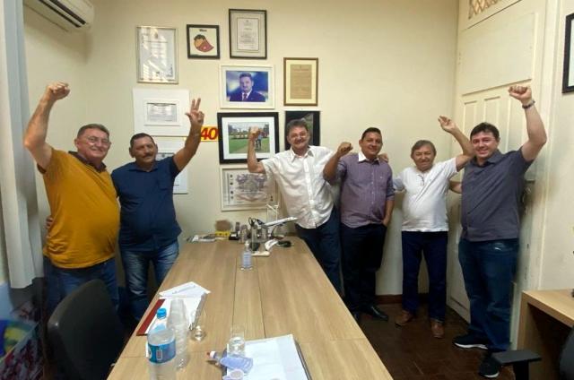 Reunião no Diretório Regional do PSB fechou a chapa (Foto: Reprodução/Instagram)