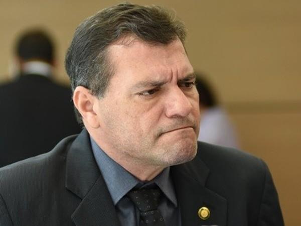 775e147582 VEREADOR DIZ QUE FIRMINO DEU CALOTE EM MORADORES - Gustavo Almeida -  Política Dinâmica