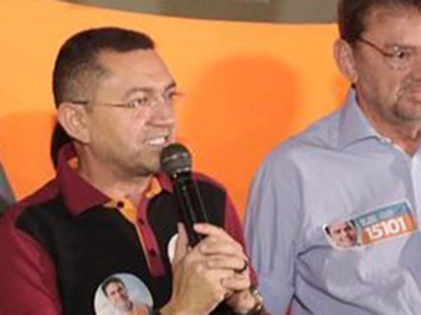 005c78b6ee783 UM DESASTRE CHAMADO PADRE WALMIR - Marcos Melo - Política Dinâmica