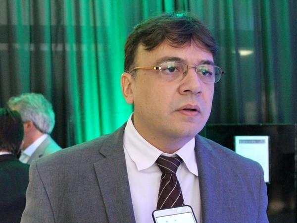 reputable site 8831b 1d0e7 AUMENTAR IMPOSTO  COISA DE GESTOR SEM PREPARO - Gustavo Almeida - Política  Dinâmica