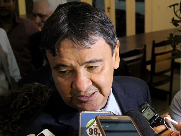 e8aa2dc1a4d GOVERNO ANUNCIA CORTES PARA EVITAR COLAPSO - Política - Política Dinâmica