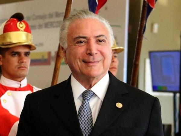 """865aaf92ae8983 PREFEITOS GRITAM """"FICA TEMER"""" - Política - Política Dinâmica"""